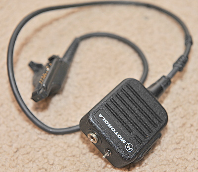 Motorola noise cancelling Speaker mic NMN6228C for HT1000, MTS, XTS, MTX, MT, etc. (cable strain relief plasic crumbling)