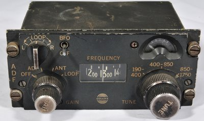 Aircraft radio control head direction finding Collins C-6899/ARN-83